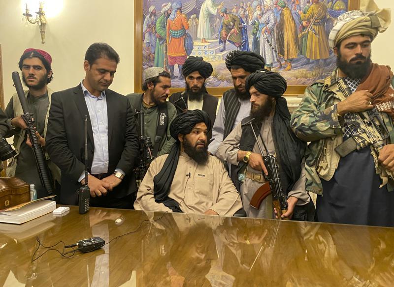 taliban_in_palace